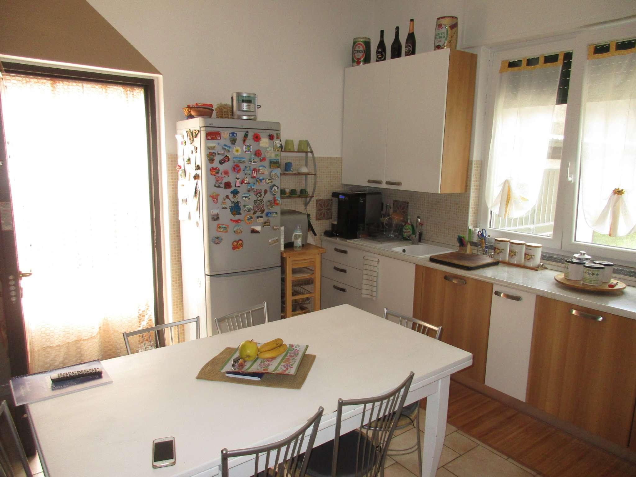 Soluzione Indipendente in vendita a Cassano Magnago, 8 locali, prezzo € 195.000 | CambioCasa.it
