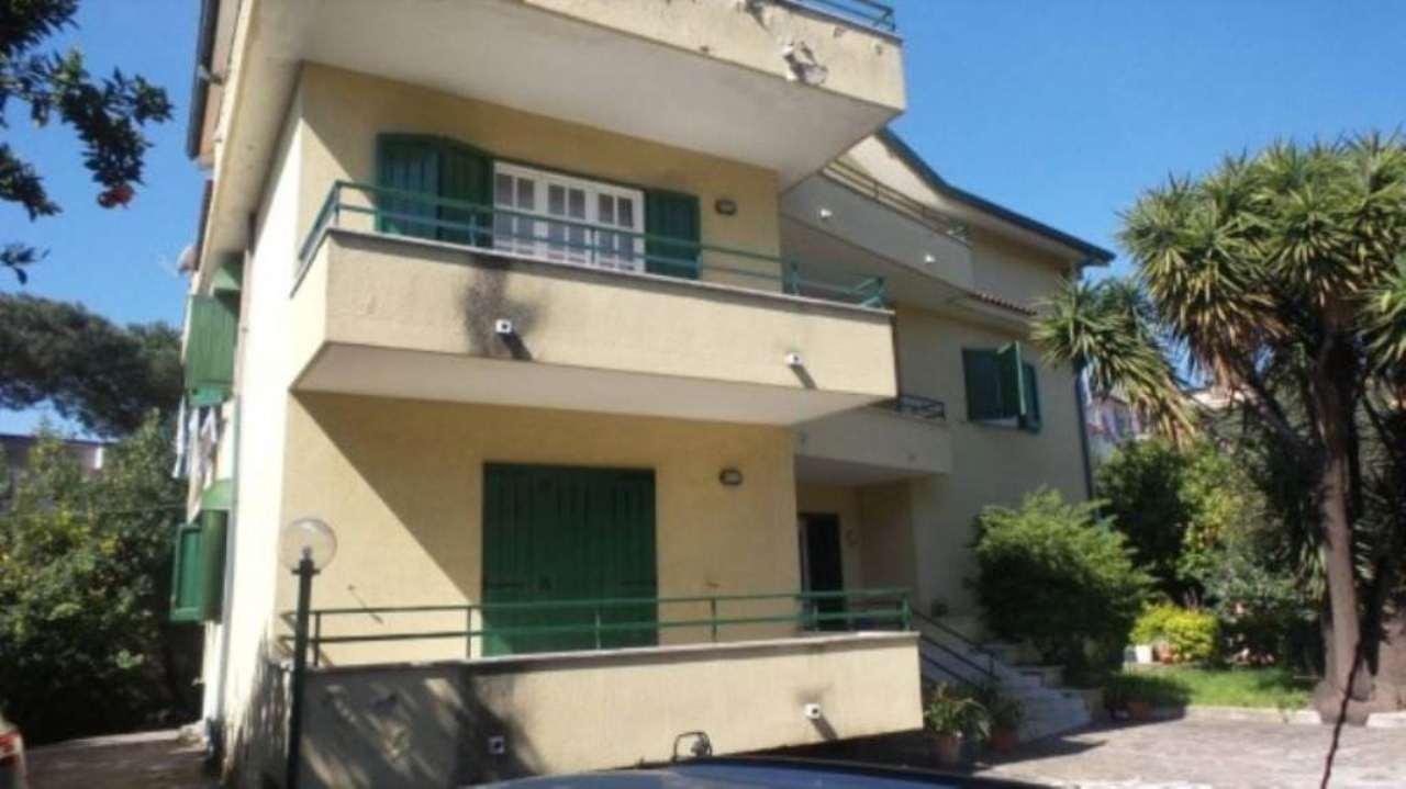 Villa in vendita a Frattamaggiore, 6 locali, Trattative riservate | CambioCasa.it