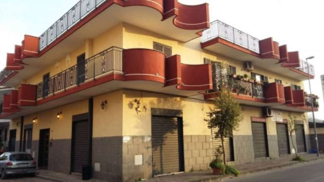 Palazzo / Stabile in Vendita a Casoria