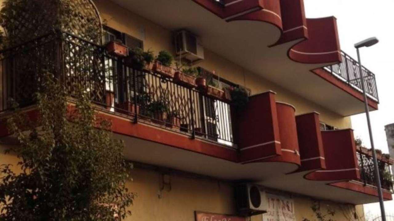 Palazzo / Stabile in vendita a Casoria, 6 locali, Trattative riservate | CambioCasa.it