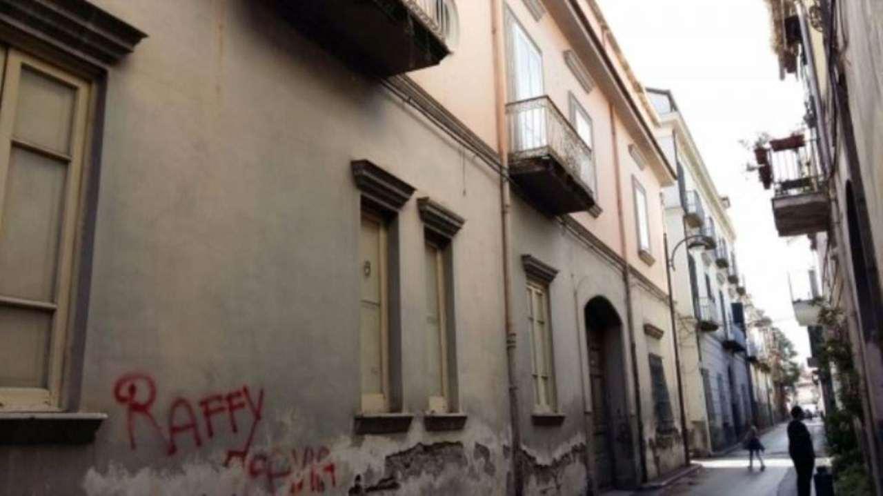 Palazzo / Stabile in Vendita a Frattamaggiore