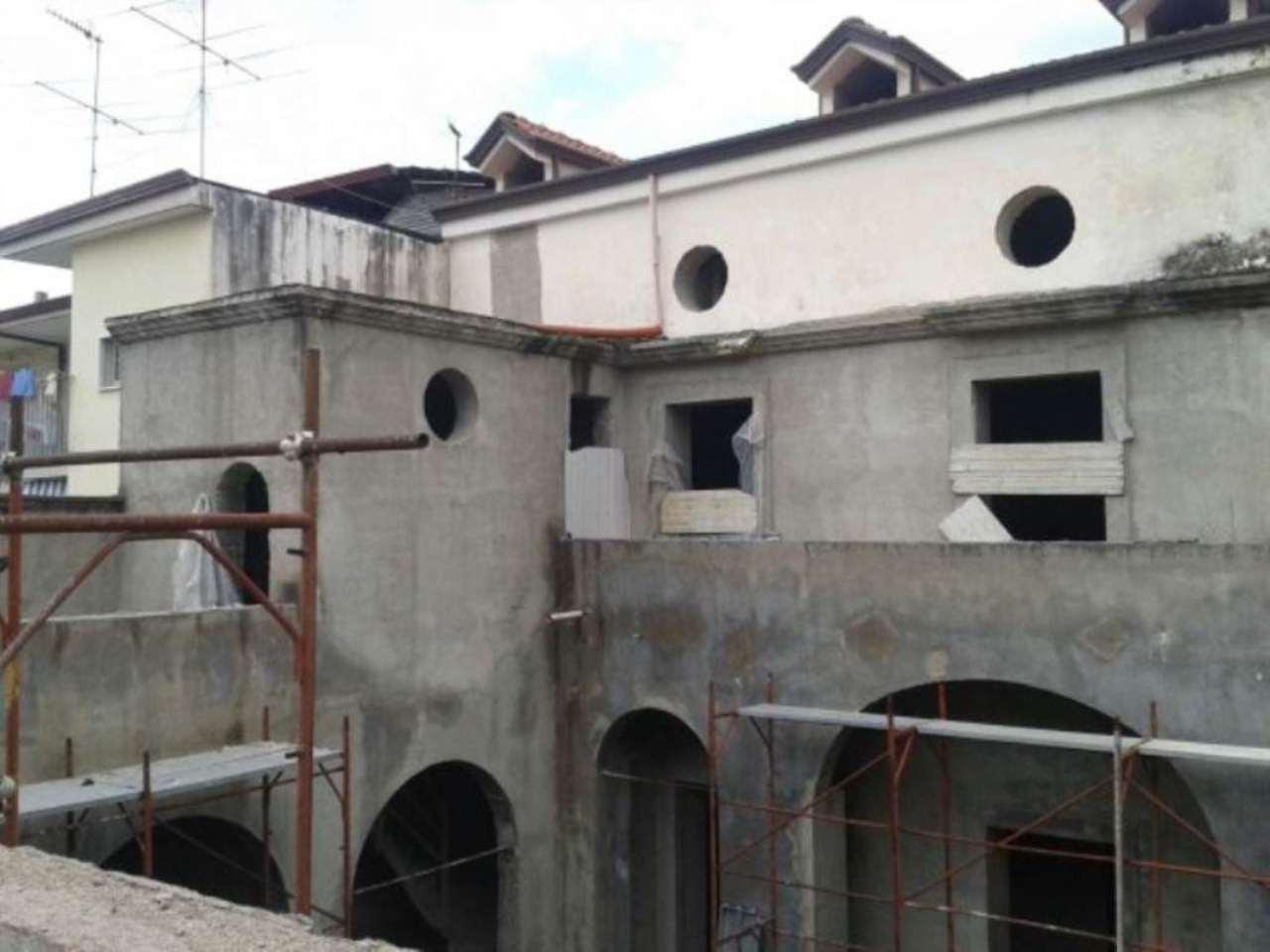 Palazzo / Stabile in vendita a Grumo Nevano, 6 locali, prezzo € 250.000 | Cambio Casa.it