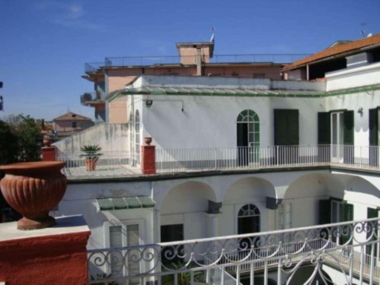 Palazzo / Stabile in vendita a Frattamaggiore, 6 locali, prezzo € 1.200.000 | CambioCasa.it