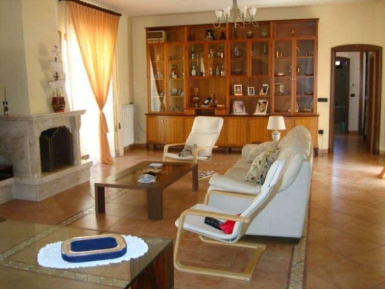 Appartamento in vendita a Frattamaggiore, 6 locali, prezzo € 420.000 | Cambio Casa.it