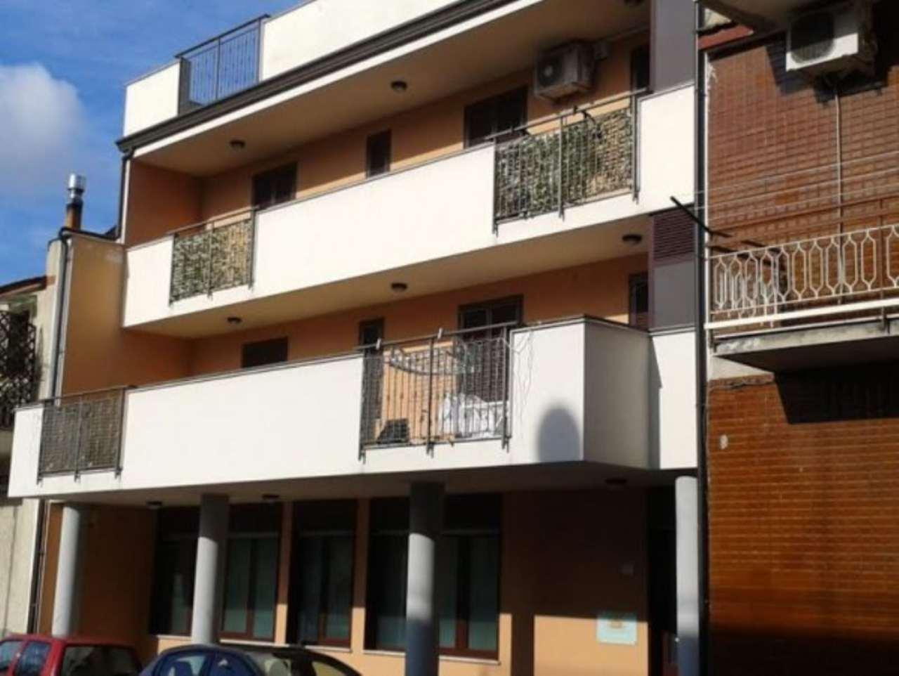 Palazzo / Stabile in vendita a Frattaminore, 9999 locali, Trattative riservate | CambioCasa.it