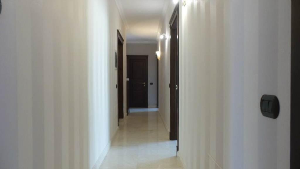 Appartamento in vendita a Frattamaggiore, 9 locali, Trattative riservate | Cambio Casa.it