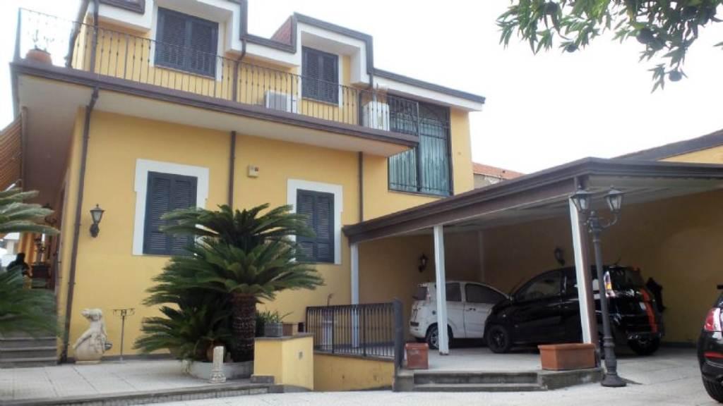 Villa in Vendita a Frattamaggiore