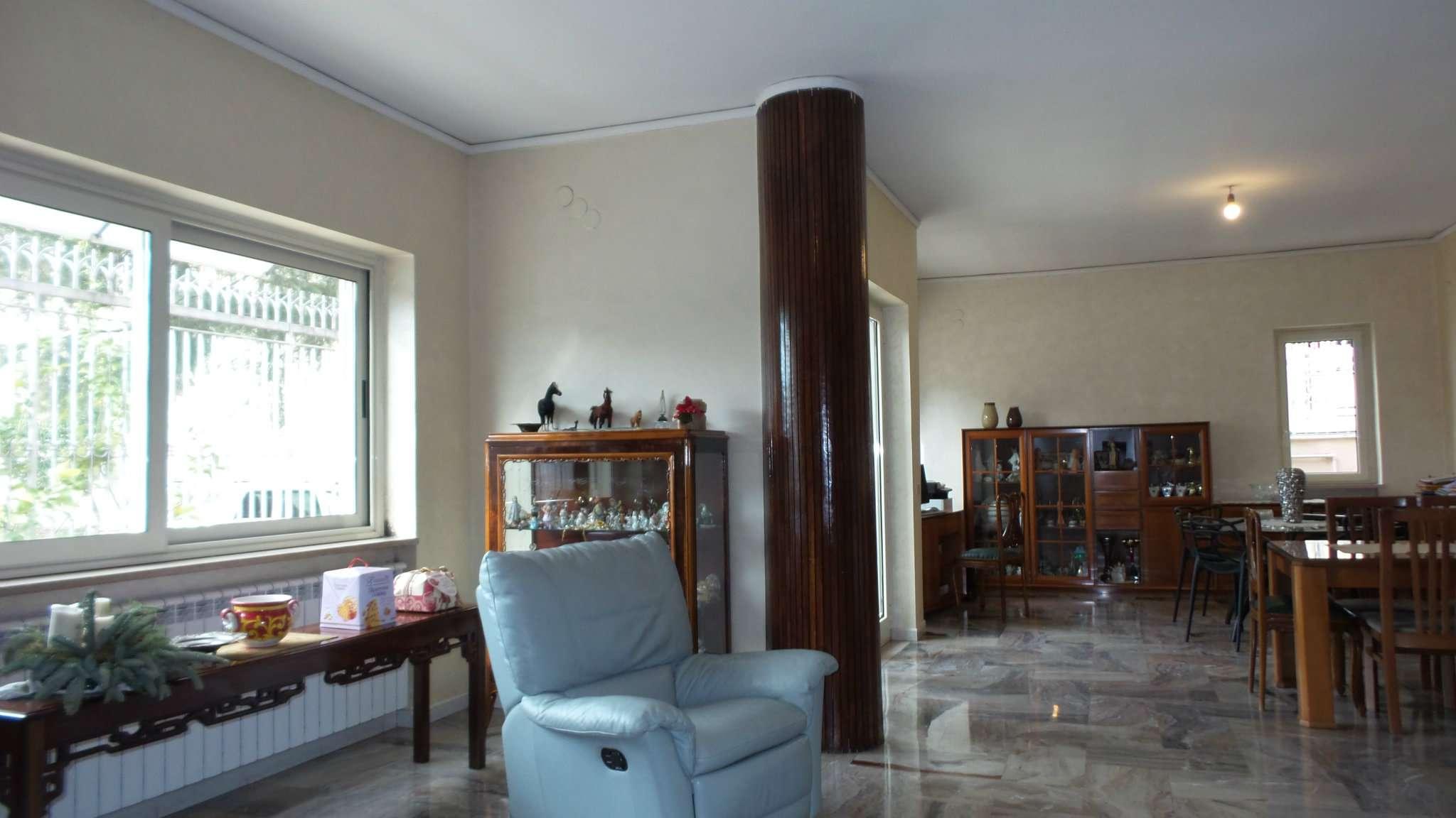 Villa in vendita a Frattamaggiore, 9999 locali, Trattative riservate | CambioCasa.it