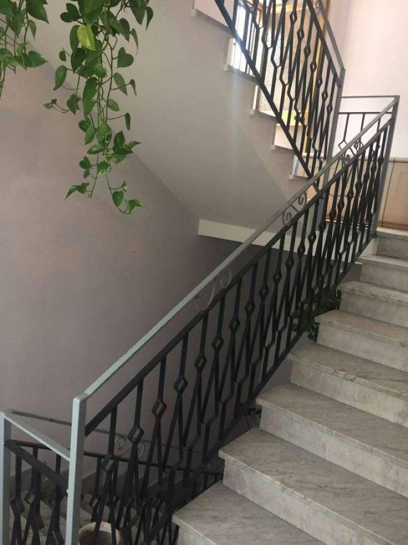 Palazzo / Stabile in vendita a Frattamaggiore, 6 locali, prezzo € 439.000 | CambioCasa.it