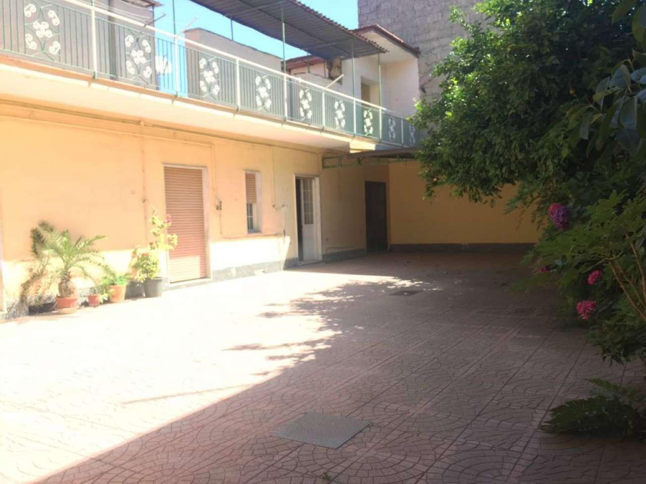 Palazzo / Stabile in Vendita a Crispano
