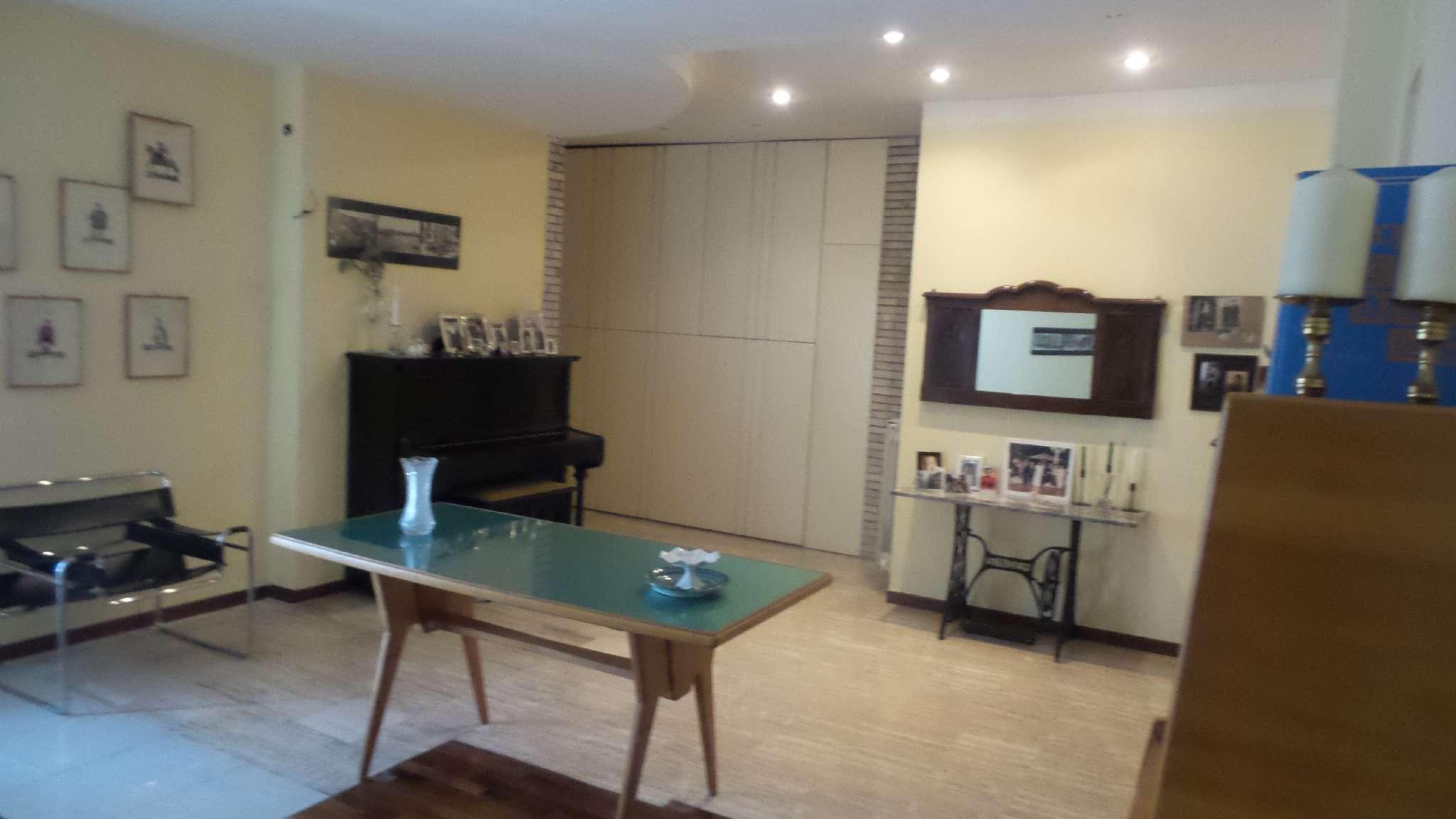 Appartamento in vendita a Frattamaggiore, 4 locali, prezzo € 220.000 | CambioCasa.it