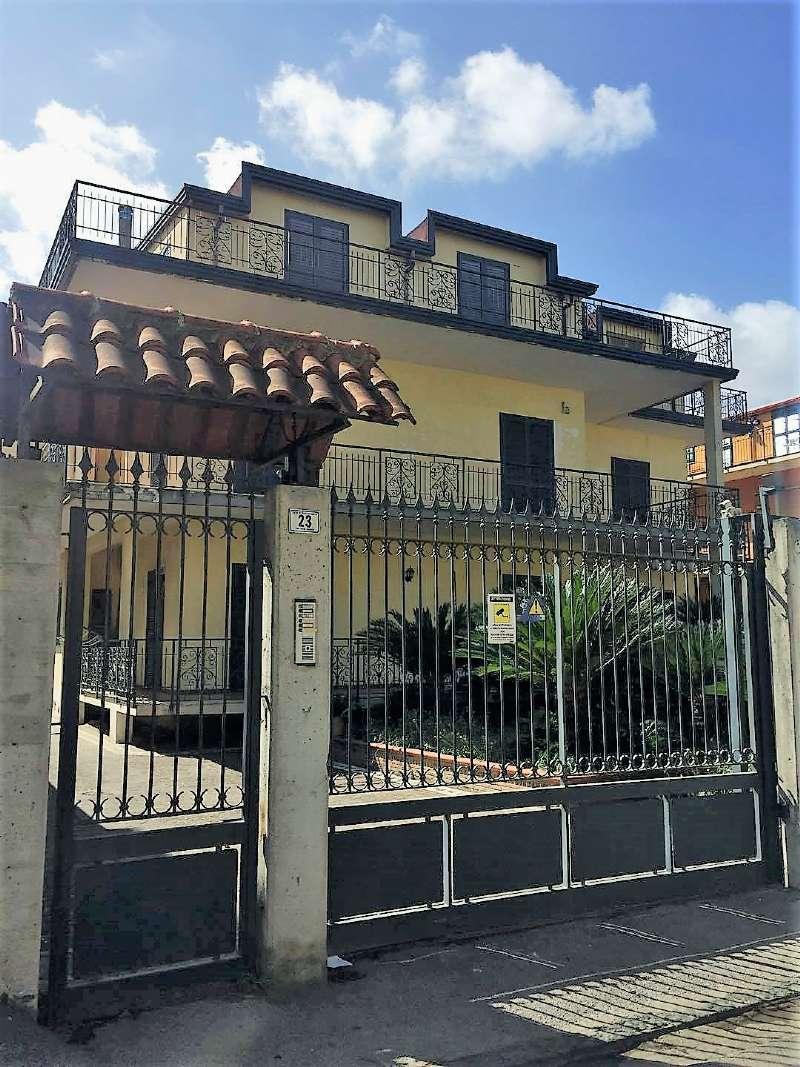 Appartamento in affitto a Frattamaggiore, 3 locali, prezzo € 400 | CambioCasa.it