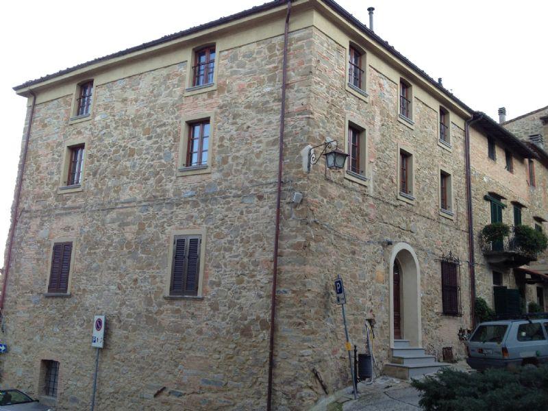 Bilocale Chianni Piazza Bartoli 5