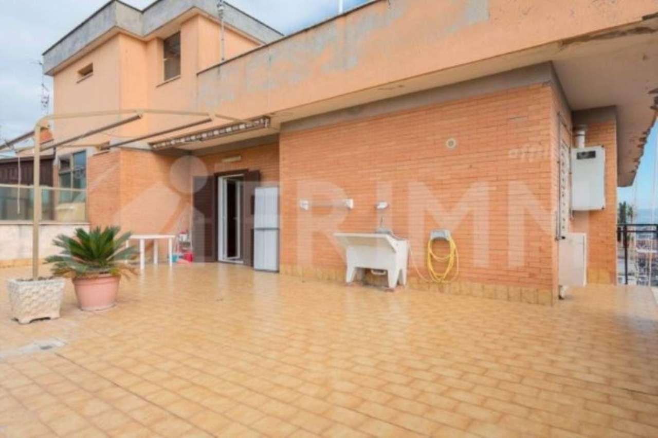 Attico / Mansarda in vendita a Pomezia, 3 locali, prezzo € 160.000 | Cambio Casa.it