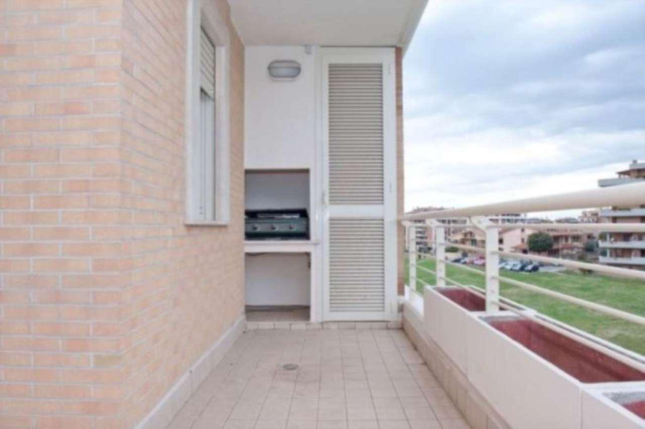 Appartamento in vendita a Pomezia, 3 locali, prezzo € 195.000 | CambioCasa.it