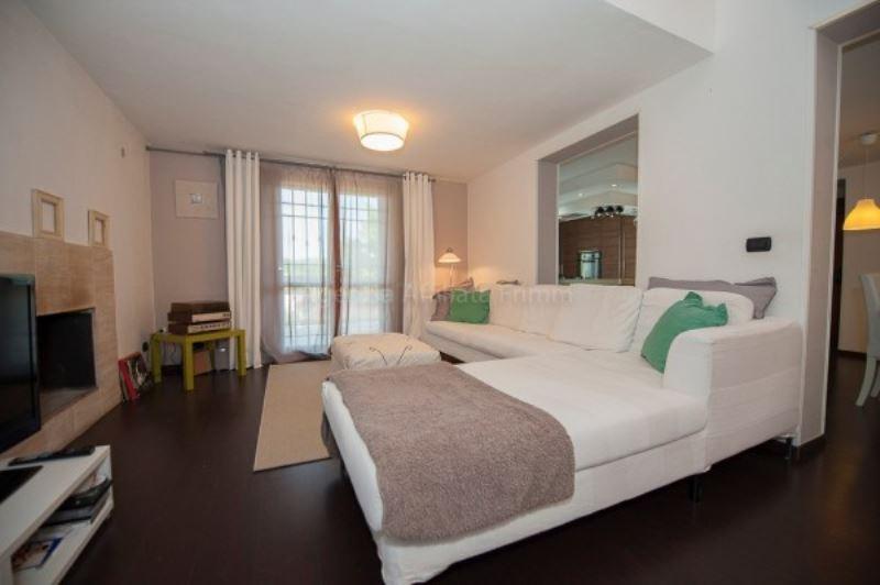 Villa in vendita a Pomezia, 6 locali, prezzo € 295.000 | Cambio Casa.it