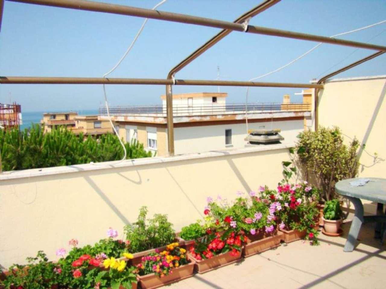 Attico / Mansarda in vendita a Pomezia, 3 locali, prezzo € 139.000 | Cambio Casa.it