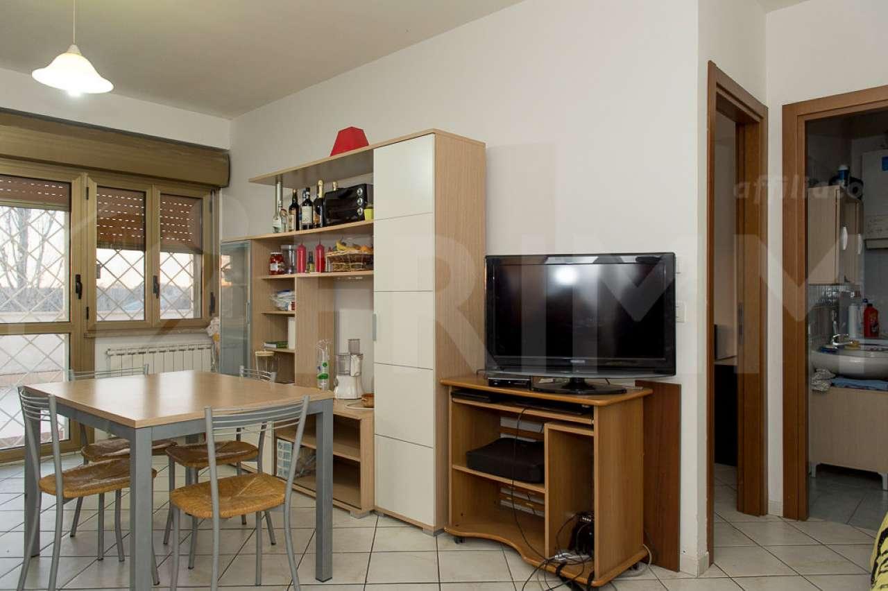 Appartamento in vendita a Pomezia, 3 locali, prezzo € 135.000 | Cambio Casa.it