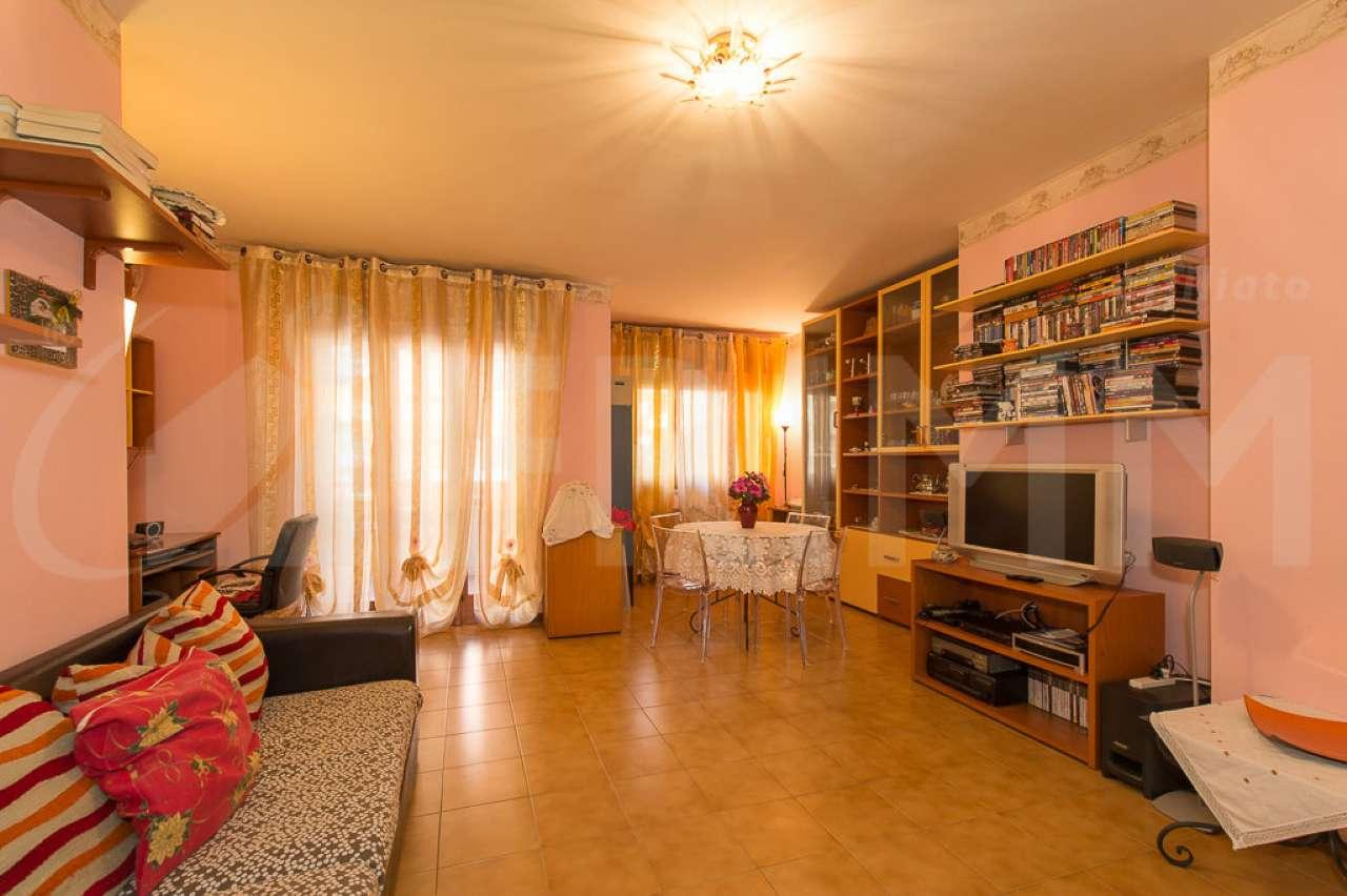 Appartamento in vendita a Pomezia, 4 locali, prezzo € 205.000 | Cambio Casa.it