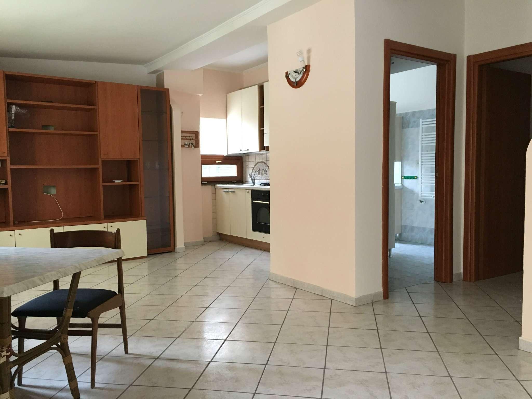 Soluzione Indipendente in vendita a Pomezia, 3 locali, prezzo € 120.000 | Cambio Casa.it