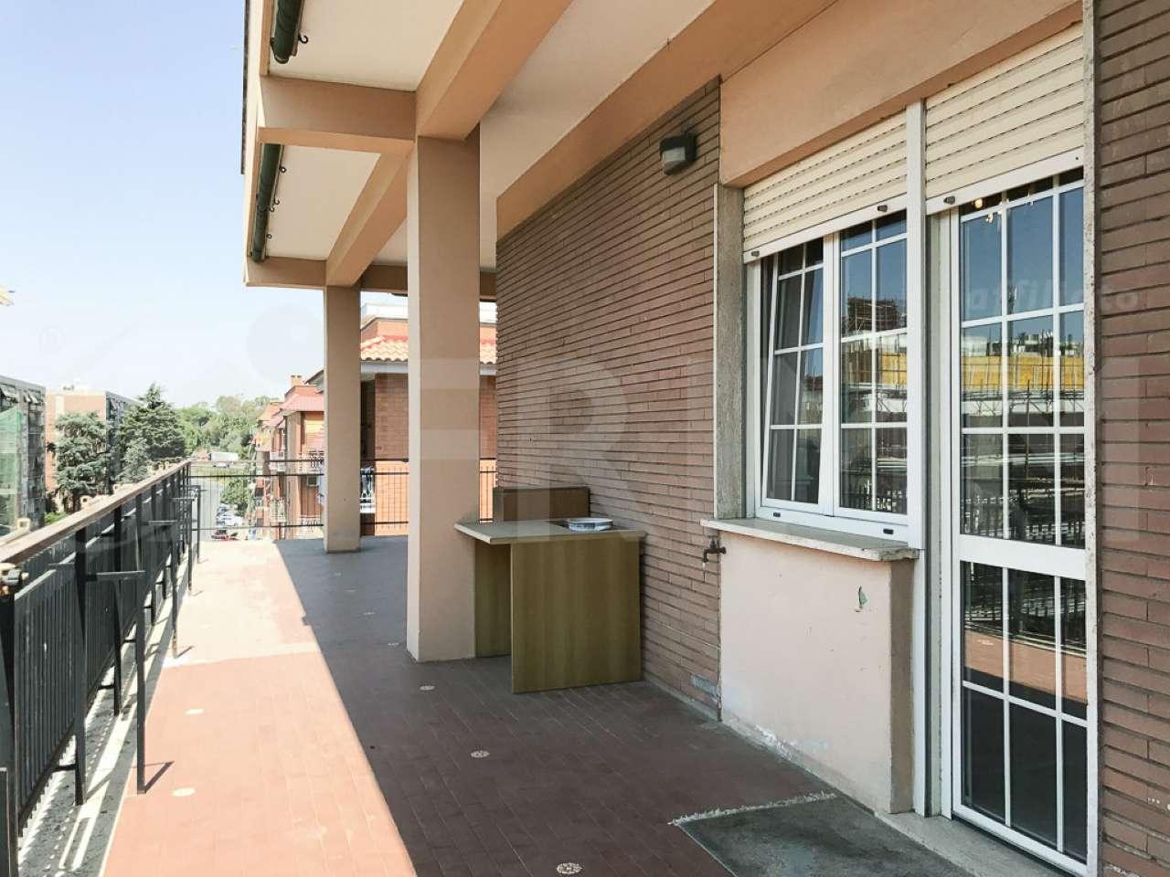 Appartamento in vendita a Pomezia, 4 locali, prezzo € 269.000   CambioCasa.it