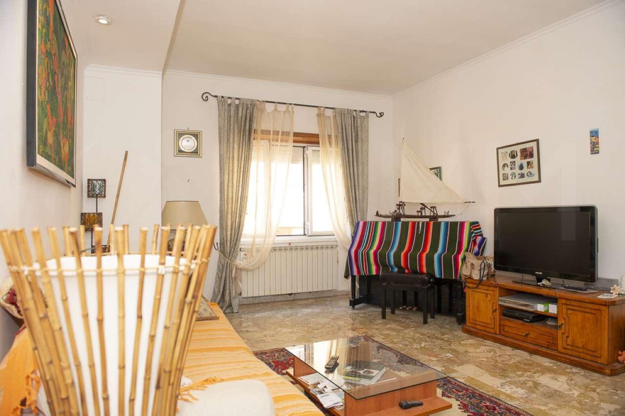 Appartamento quadrilocale in vendita a Pomezia (RM)