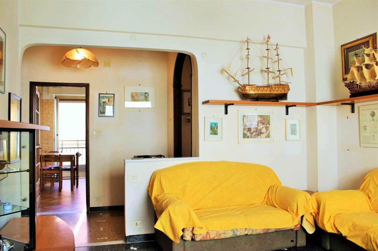 Appartamento in vendita a Finale Ligure, 4 locali, prezzo € 275.000 | Cambio Casa.it
