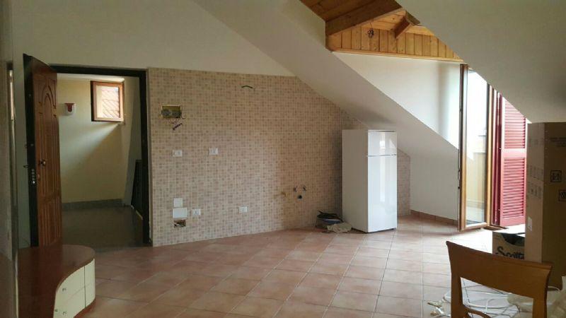 Appartamento in affitto a Giugliano in Campania, 3 locali, prezzo € 380 | Cambio Casa.it