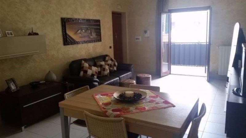 Appartamento in vendita a Giugliano in Campania, 6 locali, prezzo € 139.000 | Cambio Casa.it
