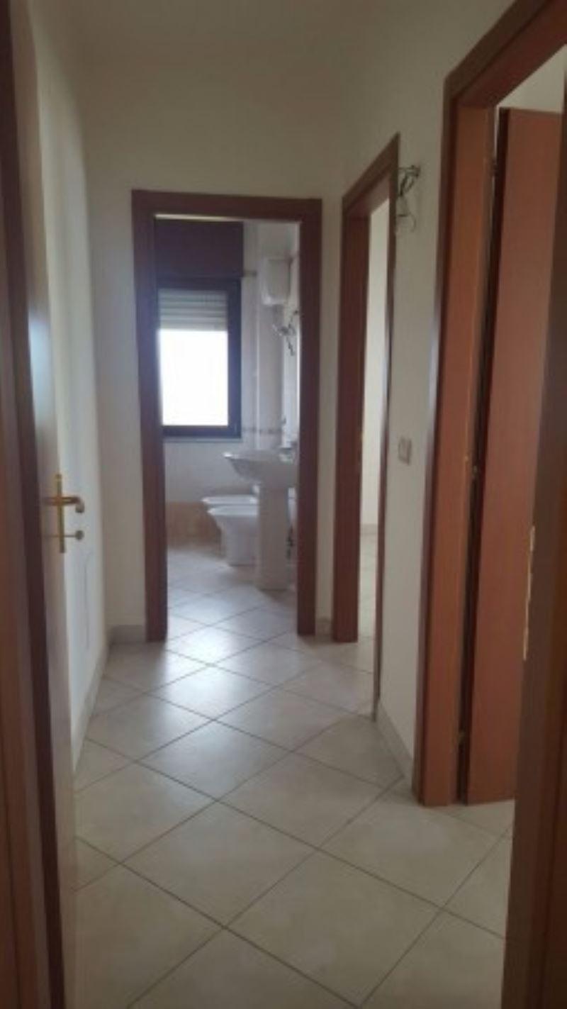 Appartamento in vendita a Giugliano in Campania, 6 locali, prezzo € 160.000 | Cambio Casa.it