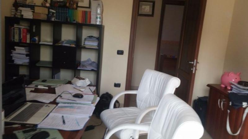 Appartamento in vendita a Giugliano in Campania, 6 locali, prezzo € 225.000 | Cambio Casa.it