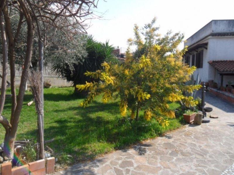 Villa a Schiera in Vendita a Pozzuoli