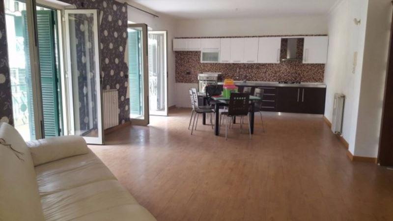 Appartamento in vendita a Giugliano in Campania, 6 locali, prezzo € 140.000   Cambio Casa.it