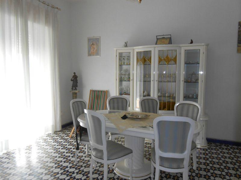 Appartamento in vendita a Giugliano in Campania, 5 locali, prezzo € 89.000   Cambio Casa.it