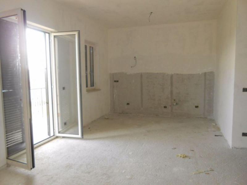 Appartamento in vendita a Giugliano in Campania, 5 locali, prezzo € 149.000   Cambio Casa.it