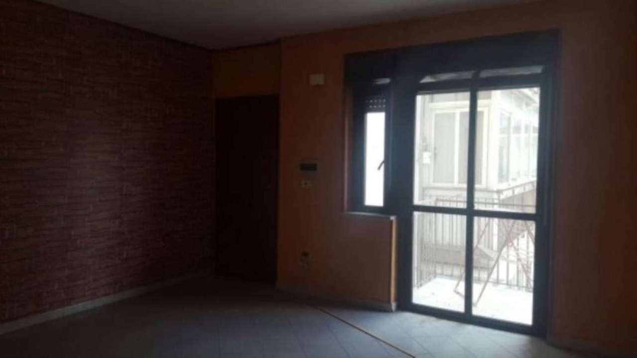 Appartamento in vendita a Giugliano in Campania, 6 locali, prezzo € 85.000   Cambio Casa.it