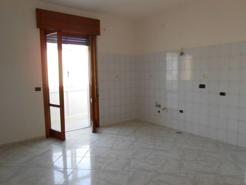 Appartamento in vendita a Giugliano in Campania, 6 locali, prezzo € 135.000 | Cambio Casa.it