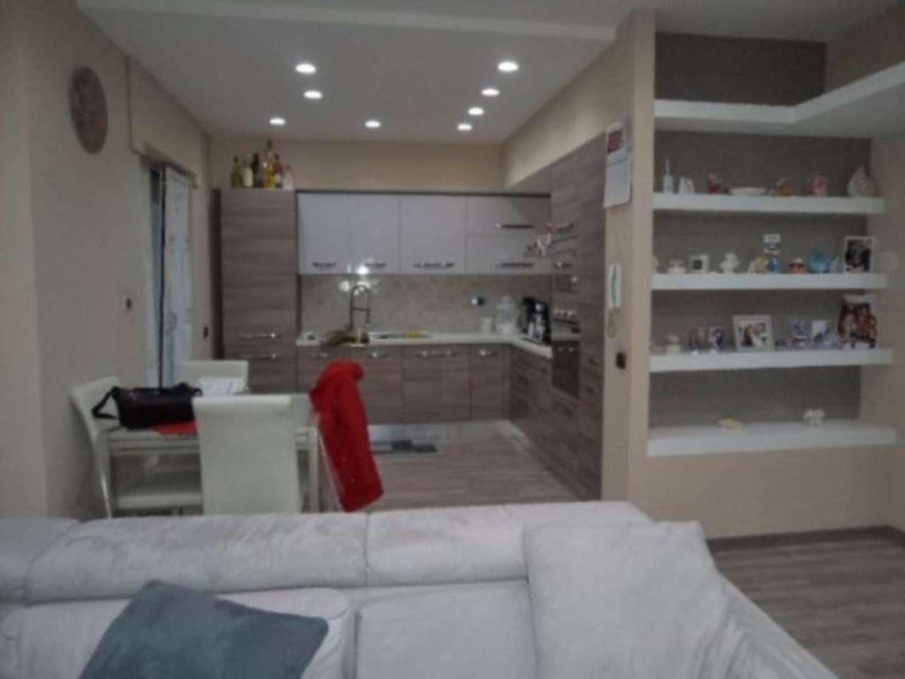 Appartamento in vendita a Giugliano in Campania, 6 locali, prezzo € 165.000 | Cambio Casa.it