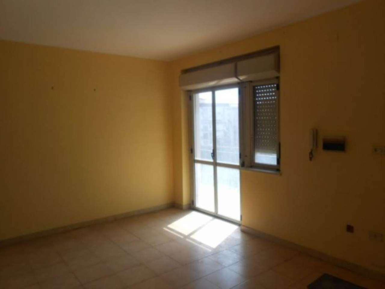 Appartamento in vendita a Giugliano in Campania, 6 locali, prezzo € 87.000 | Cambio Casa.it