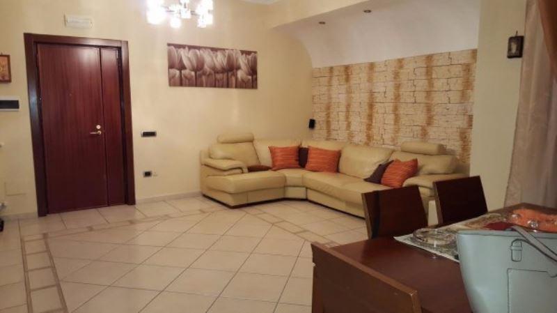 Appartamento in vendita a Giugliano in Campania, 8 locali, prezzo € 195.000 | Cambio Casa.it