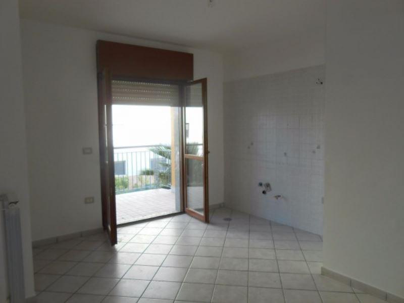 Appartamento in affitto a Giugliano in Campania, 6 locali, prezzo € 500 | Cambio Casa.it