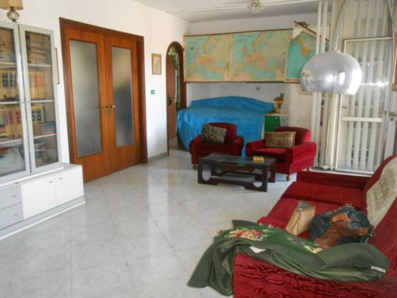 Appartamento in vendita a Giugliano in Campania, 3 locali, prezzo € 115.000 | Cambio Casa.it