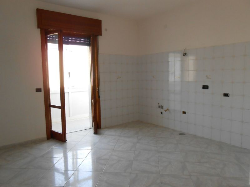 Appartamento in affitto a Giugliano in Campania, 6 locali, prezzo € 450   Cambio Casa.it