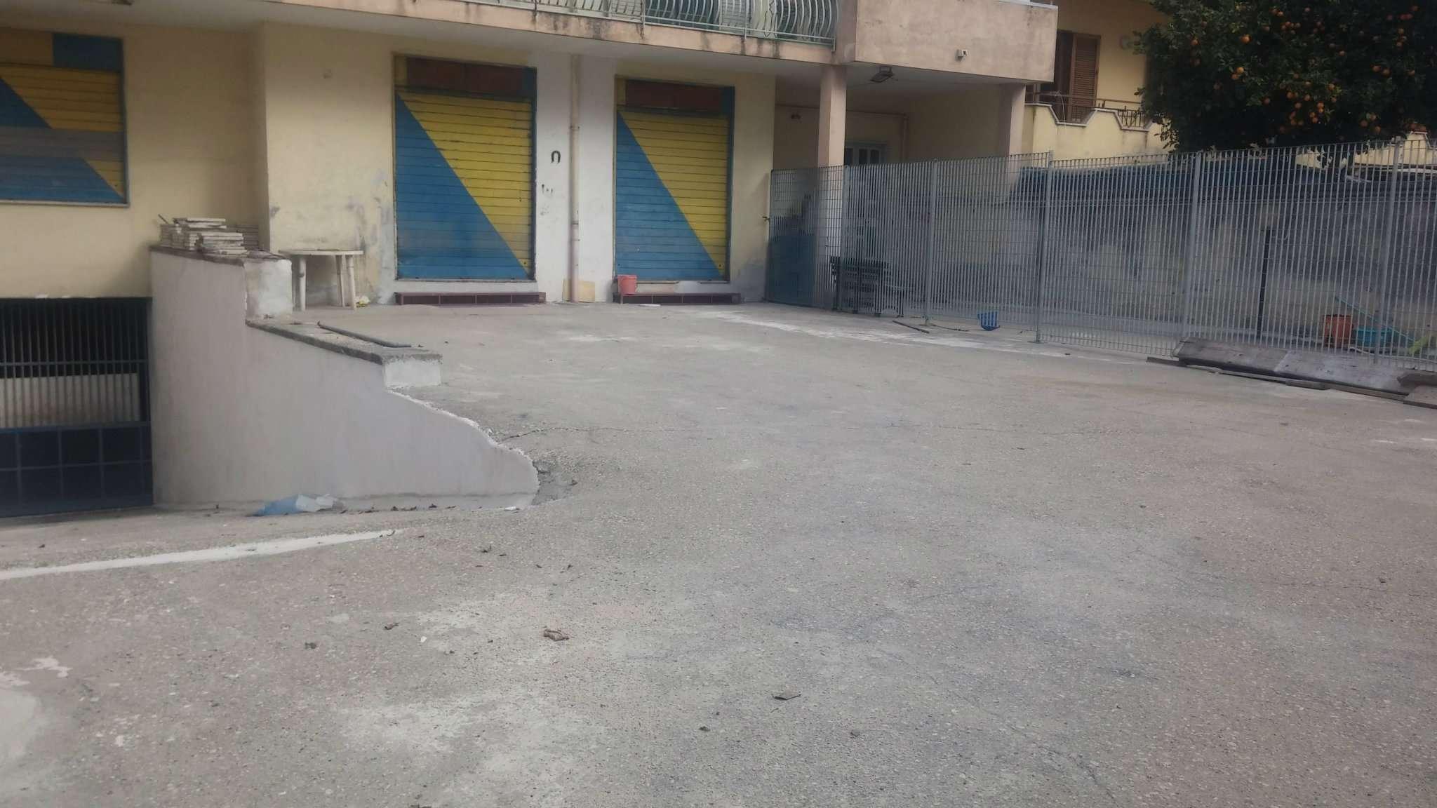Negozio / Locale in affitto a Villaricca, 2 locali, prezzo € 1.200 | Cambio Casa.it