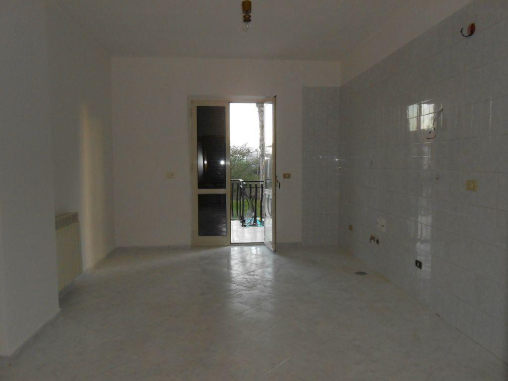 Appartamento in vendita a Giugliano in Campania, 7 locali, prezzo € 175.000 | Cambio Casa.it