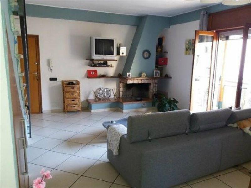 Appartamento in vendita a Giugliano in Campania, 6 locali, prezzo € 195.000 | Cambio Casa.it