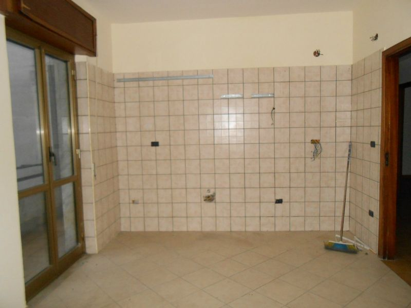 Appartamento in affitto a Giugliano in Campania, 6 locali, prezzo € 450 | Cambio Casa.it