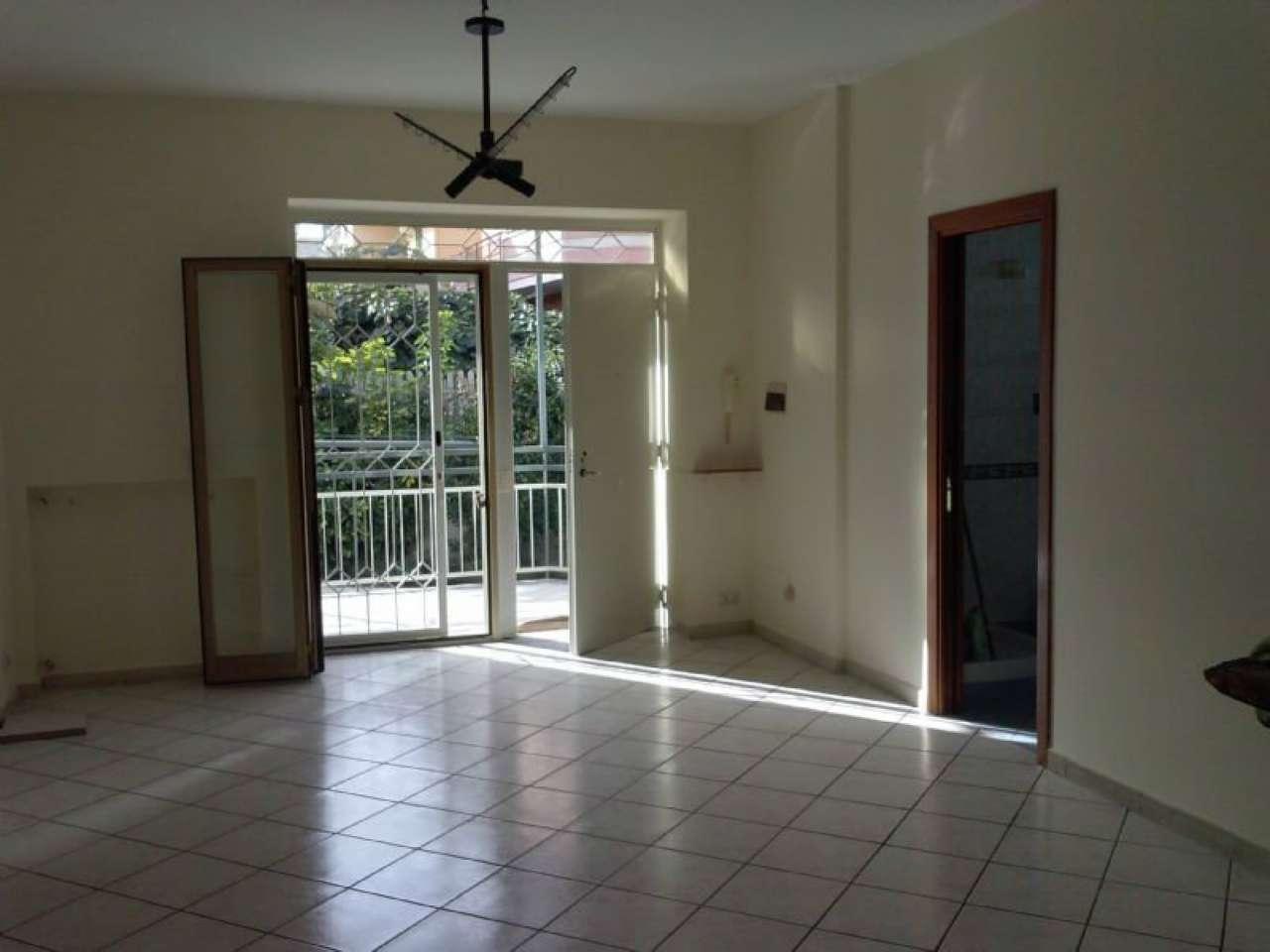 Appartamento in affitto a Giugliano in Campania, 4 locali, prezzo € 420   Cambio Casa.it