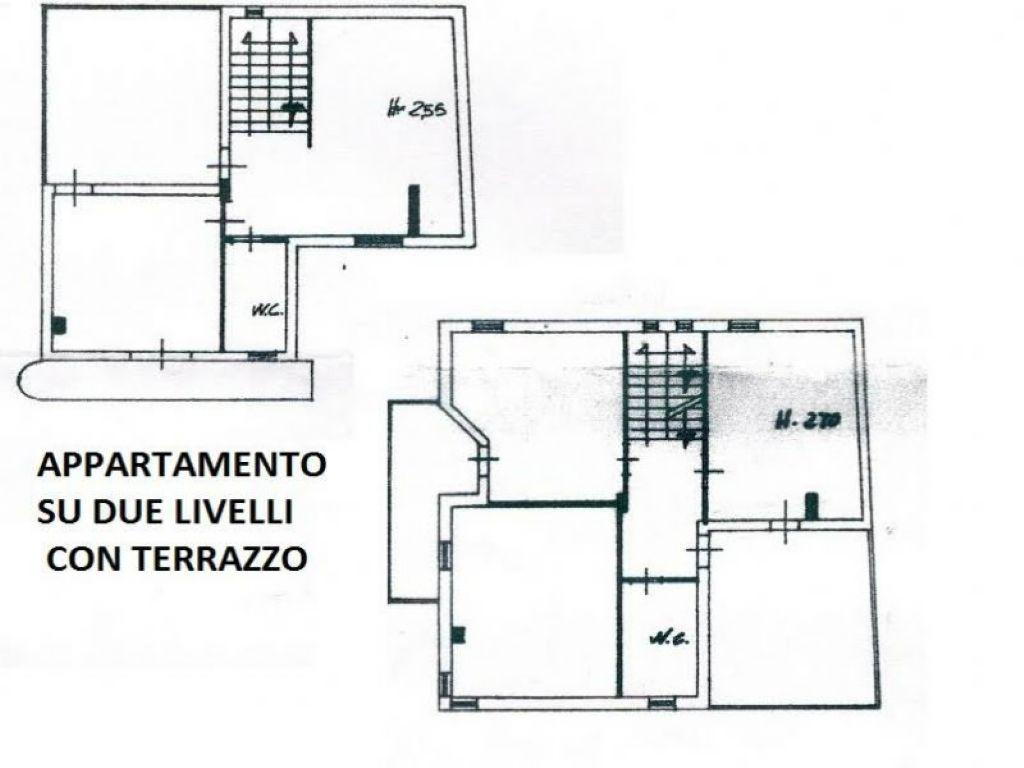 Soluzione Indipendente in vendita a Giugliano in Campania, 7 locali, prezzo € 360.000   Cambio Casa.it