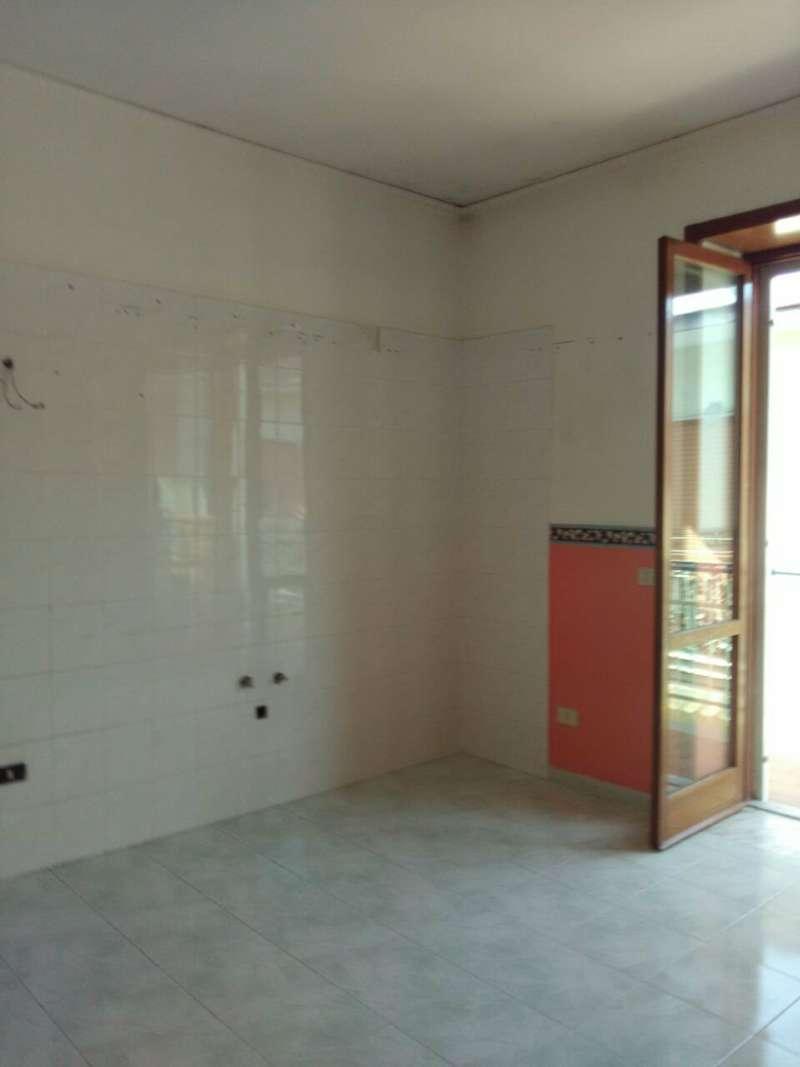 Appartamento in affitto a Melito di Napoli, 4 locali, prezzo € 450 | Cambio Casa.it